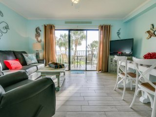 Cute 2nd floor Gulf front 1 bedroom w/bunks with FREE Beach Service