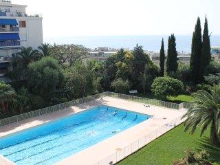Sea view, large pool, amazing!