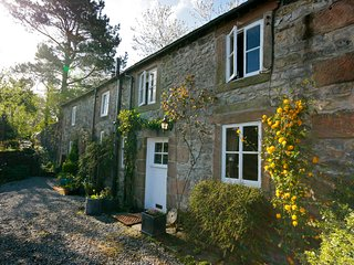Cosy romantic cottage retreat, Peak District National Park, with Special Offers, Winster