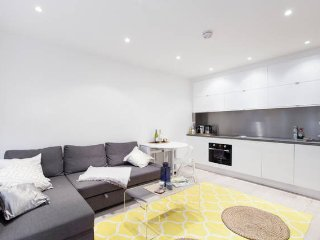 (TEST ONLY) Luxury Apartment - South Kensington, Chelsea