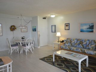 ROMANTIC GETAWAY WB2513 OCEAN/DH VIEWS with Parking!