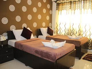 3 Bedroom Serviced Apartment in Goregaon West, Bombay