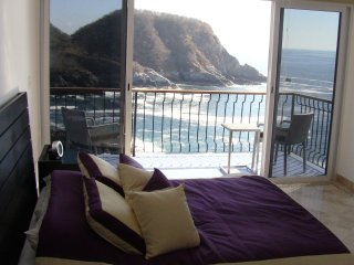 Dramatic Oceanfront in Authentic Mexico
