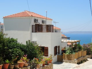 New 2 Bedroom Villa w/ pool. Walk to tavernas & shops in Plaka, & Almyrida beach