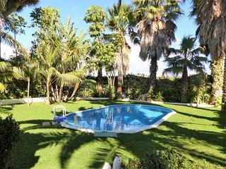 Gran Villa El Peñón con piscina, amplios jardines, terraza exterior, acristalada