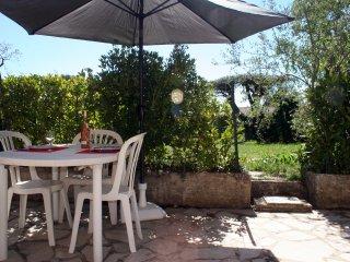 Studio avec terrasse en rez de jardin