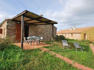 Villetta bilocale4 stazzo ristrutturata con barbecue e giardino a 2km dal mare, Aglientu