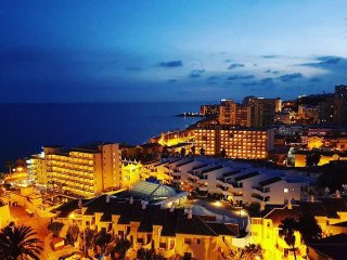 Penthouse with 1 bedroom and sea views in Benalmadena.