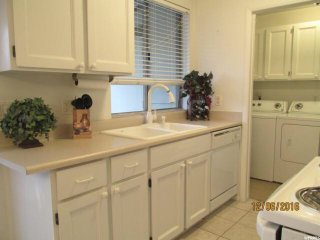 Comfy Townhome Near Ski Resorts and Canyons, Holladay