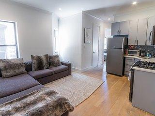 Contemporary 2 Bedroom Apartment in Chelsea, Nova York