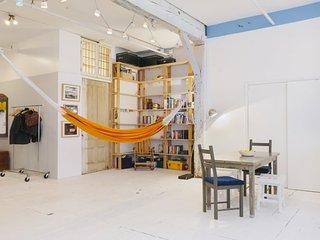 Large 1 Bedroom Loft Nestled in Williamsburg