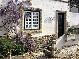 Cosy cottage inside the walls of  castle - Óbidos