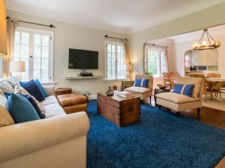 Stylish 2 Bedroom Apartment in Hollywood