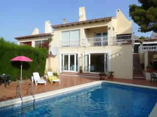 Four Bedroomed Villa with Private Pool, El Albir