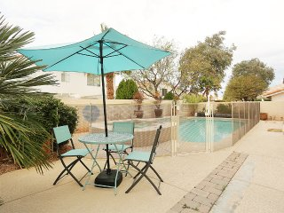 South Strip 5 Bedroom 3 Bath Pool & Spa Home