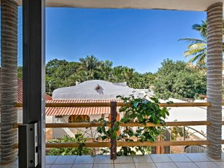Sayulita Condo 15-Min Walk to Beach, Plaza, Dining