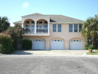 Mediterranean Villa - Your Key to the Paradise of Rockport