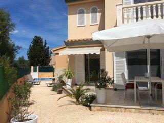 Schönes und modernes Doppelhaus mit Garten und Pool, WIFI frei, Cala Millor