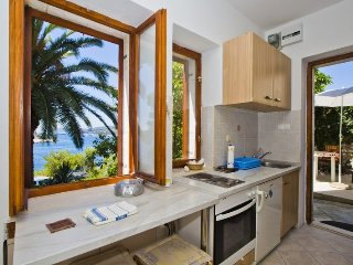 Studio Apartment by Jovo, Hvar