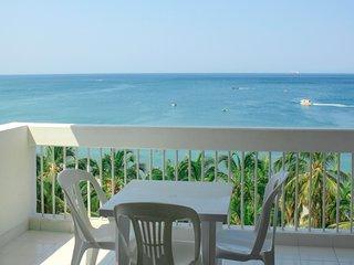Apartamento frente y vista al mar 7E