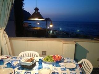 Vivi Marettimo con veranda vista mare