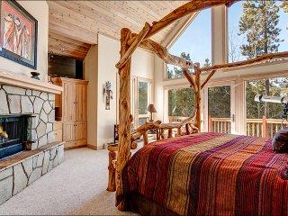 Stunning Mountain Views, Elegant Design & Luxurious Amenities (212559)