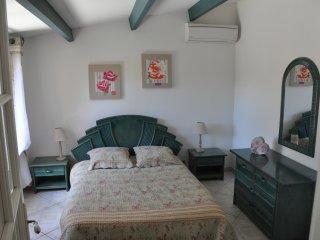 Villa sans vis à vis,climatisée,au calme,jardin,BBQ,proche plage et golf