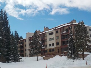 Ski-in Ski-out at Copper 3Bdrm Newly Available March 13-23! Perfect for Families