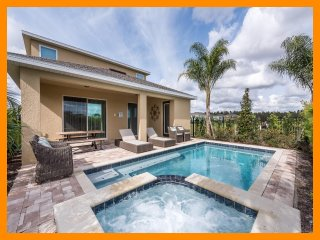 Encore Resort 36 - Superior villa with private pool and free shuttle to parks