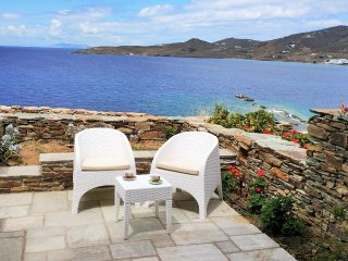 House by the sea next to the beach (1bdr) - Stavros bay, Tinos Town