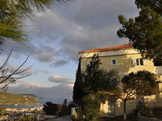 The Pinetree home with sea view, Ermioni