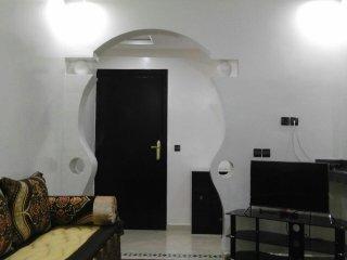 Appartement F3 tout équipé ensoleillé en centre ville d'Agadir 10 min de la mer