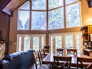 Black Bear Lodge - 4 bedrooms and game room!, Lake Arrowhead