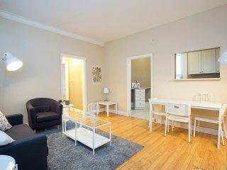 Prime 1 Bedroom Apt Downtown-Free Parking & Wifi, Ottawa