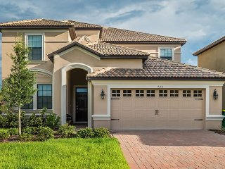 Luxury 6bd villa in Champions Gate resort near Disney