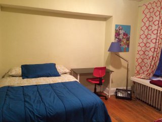 2BR APT-5 PEOPLE- CENTER MANHATTAN, New York City