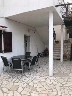 A2(4+2): terrace