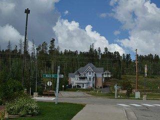 NEW! 9BR Winter Park Villa - 2 Miles to Skiing!
