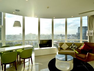 Brandnew, breathtaking SUNSET VIEW Apt, PRIME lct