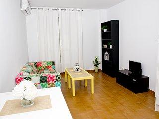 apartamento luminoso de 1 dormitorio en el centro del pueblo ( 1º izda)