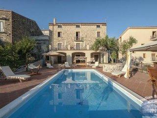 Villa in Sorrento & Amalfi Coast : Amalfi & Ravello Area Villa Vibrante, Vibonati