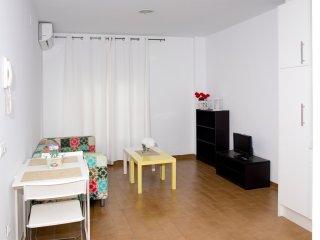 Apartamento amplio de 1 dormitorio en el centro del pueblo (bj izda)