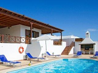 Villa Ventura, Puerto Calero