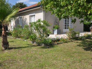 Cosy house near the ocean for 7, Le Verdon Sur Mer