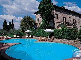 Villa in Tuscany : Florence Surrounding Area Villa Cedda + Annex, San Donato in Poggio