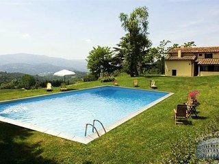 Villa in Tuscany : Florence Surrounding Area Villa Miranda + Cottage, Vicchio