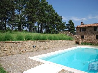 Villa in Tuscany : Siena / S. Gimignano Area Villa Nipo, San Gusme