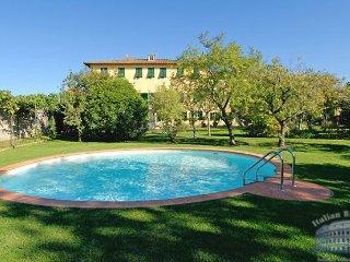Villa in Tuscany : Lucca & Pisa Villa Piano