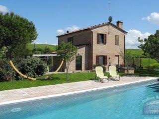 Villa in Tuscany : Siena / S. Gimignano Area Casa Castello, Montisi