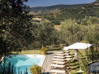 Villa in Tuscany : Siena / S. Gimignano Area Casa Georgia, Monticiano